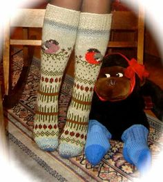 Villasukka Knitting Socks, Hand Knitting, Yarn Crafts, Bunt, Knit Crochet, Projects To Try, Slippers, Sewing, Pattern