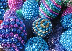 plastic eggs covered in plastic bead chain! so gonna do this!
