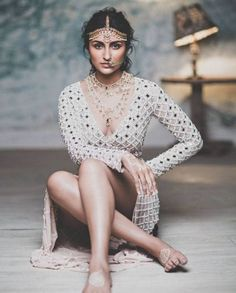 These pictures of Parineeti Chopra will give you ALL the bridal inspiration for the day Bollywood Actress Hot Photos, Indian Actress Hot Pics, Indian Bollywood Actress, Beautiful Bollywood Actress, Beautiful Indian Actress, Bollywood Fashion, Indian Actresses, Bollywood Bikini, Beautiful Women