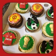 Manchester United cupcakes - by Piece of Cake