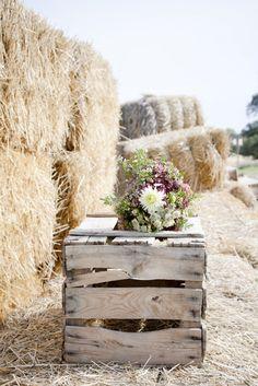 Una boda campestre. Yo tengo esas cajas!!