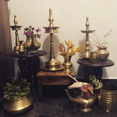 Polished brass will pass upon more people than rough gold ! Kerala Traditional House, Traditional Decor, Ethnic Home Decor, Indian Home Decor, Indian Decoration, Home Interior Design, Interior Decorating, Interior Designing, Interior Ideas