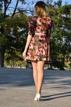 http://oneusefashion.wordpress.com/2014/09/29/colorful-dress/