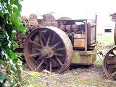 Archived Report - Dredging engine from Welford on AvonDecember 2012 Abandoned Vehicles, Abandoned Cars, Steam Tractor, Antique Tractors, Forts, Engineering, Train, Mechanical Engineering, Castles