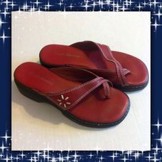 ♨️CLEARANCE SALE♨️Red slide-on Sandals These red leather with white trim split toe sandals are in good used condition. Size 6.5 High Sierra Shoes Sandals