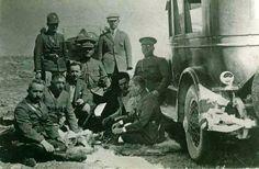 Atatürk ve İnönü savaş sırasında (Erdinç Bakla archive)
