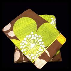 100percent Cotton, Flat Bed Sheet set. King size. 100percent Cotton, Flat Bed Sheet set with 2 sided frills and 2 Pillow cases with 4 sided frills. In King size. raziascloset Other