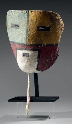 Très rare masque Tuma Uyim/Tuma-Öi Circa 1930,