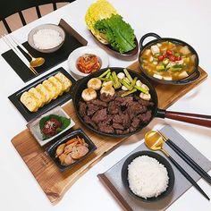 K Food, Food Porn, Good Food, Yummy Food, Asian Recipes, Real Food Recipes, South Korean Food, Food Platters, Food Goals