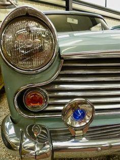 morris oxford Morris Oxford, British Car, Hood Ornaments, Automotive Art, Motor Company, Car Shop, Gas Station, Old Cars, Cambridge