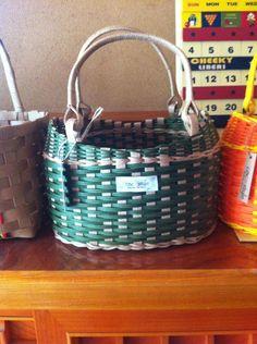 シックなグリーンのかごバッグ|ハンドメイド、手作り、手仕事品の通販・販売・購入ならCreema。