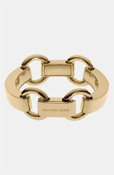 Wardrobe staple - Link bracelet