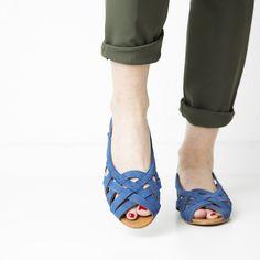 Doreen   Shop at Onyva.ch ° #shoes #lagarconne #shuhe #summershoes #onyva #fashion #design #shoedesign #cuteshoes #walk #madeforwalking #zurich #switzerland #onlinestore Heart Beating Fast, Electric Blue, Shoe Brands, Summer Shoes, Cute Shoes, Designer Shoes, Baby Shoes, Walking, Style Inspiration