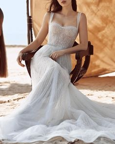 Dana Harel | New Dawn #danaharel #fashion #moda #dress #vestido #vestidosdenovia #weddingdresses #weddingdress #noiva #bride #whitedress #vestidobranco