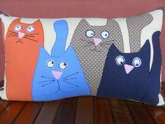 Applique Pillows, Sewing Pillows, Diy Pillows, Throw Pillows, Fabric Crafts, Sewing Crafts, Sewing Projects, Diy Pillow Covers, Cat Cushion