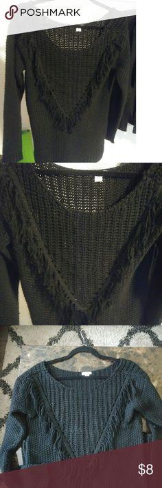 🖤 Warm and cozy off the shoulder sweater Black sweater, long goes to about the middle of my butt and I'm 5'7. V neck fringe design. So comfortable, great condition. Hangs off the shoulder to one side, love that look! Bundle & save! *Smoke free home Merona Sweaters