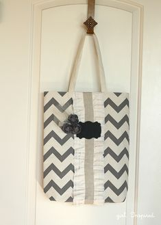Learn how to sew this trendy chevron tote. Skiptomylou.org #tote #chevron #DIY