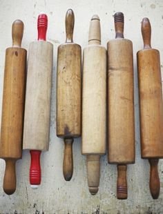 i'm a bit stuck on old kitchen utensils - especially rolling pins and old bread knives