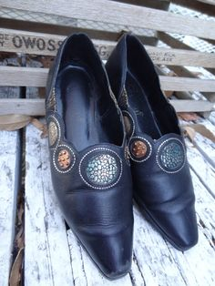 Vintage Unique Leather Slip On Loafers Sz7 by VTGRDX on Etsy, $25.00