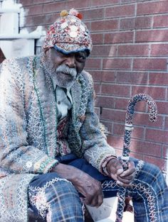 Charlie Logan, near his home in Alton, IL, 1979. 'In Touch wit' a Shaman': via accidentalmysteries.blogspot.com