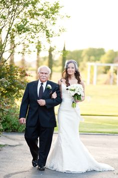 bride_father_walking_down_aisle