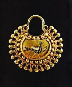 Золотий колт. XI-XIII ст.