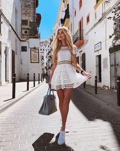Pamela Reif, living the dream. Cute Summer Outfits, Casual Outfits, Cute Outfits, Fashion Outfits, Summer Dresses, Fashion Trends, Casual Chic, Beach Casual, Casual Party