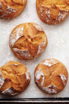 Pumpkin Cornmeal Bread » Miraval (convert to spelt)