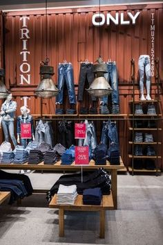 ONLY Store by Retail Fabrikken, Herning – Denmark Visual Merchandiser, styling and still life designs