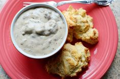 The Pioneer Woman& Drop Biscuits and Sausage Gravy - made this this morning and it was awesome! Except I used turkey breakfast sausage Drop Biscuits, Biscuits And Gravy, Sausage Biscuits, Breakfast Biscuits, Homemade Biscuits, Buttermilk Biscuits, Mayonaise Biscuits, Oatmeal Biscuits, Easy Biscuits