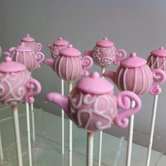Teapot cake pops so sweet :) Chocolates, No Bake Cake Pops, Teapot Cake, Pink Teapot, Vanilla Bean Cakes, Cookie Pops, Brownie Pops, Mad Hatter Tea, Cute Cakes