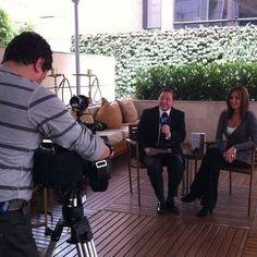 Una vez más, gran interés de los medios colombianos por Misión Olvido. Aquí, con Carlos Restrepo para Canal ET (Periódico El Tiempo)