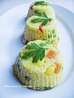cuşcuş cu legume Romanian Food, Romanian Recipes, Easy Meals, Easy Recipes, Salmon Burgers, Avocado Toast, Baked Potato, Foodies, Food And Drink