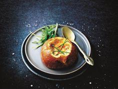 Recette de brioches au foie gras et œufs cocotte - Marie Claire Brunch, Marie Claire, Tapas, Pop Up Restaurant, Good Food, Yummy Food, Pavlova, Food Festival, Cakes And More