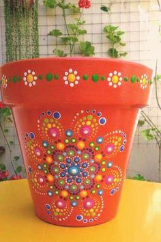 flowerpotsoutdoor puntillismo Puntillismo PuntillismoYou can find Painted flower pots and more on our website Flower Pot Art, Flower Pot Design, Mosaic Flower Pots, Clay Flower Pots, Flower Pot Crafts, Clay Pot Projects, Clay Pot Crafts, Diy Crafts, Shell Crafts