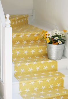 Cottage Staircase makeover - want to do this with my outdoor stairs. Cottage Staircase, Staircase Makeover, Staircase Ideas, Staircase Design, Stair Redo, Foyer Ideas, Traditional Staircase, Yellow Cottage, Painted Stairs