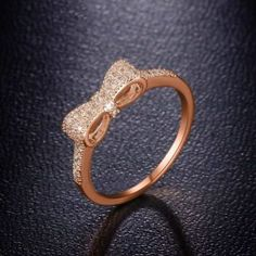 Morganite engagement ring vintage Unique engagement ring rose gold wedding women Cluster Baguette Diamond Flower Anniversary gift for her - Fine Jewelry Ideas Fancy Jewellery, Gold Rings Jewelry, Gold Jewelry Simple, Jewelry Design Earrings, Hand Jewelry, Stylish Jewelry, Cute Jewelry, Jewelry Accessories, Gold Knot Ring