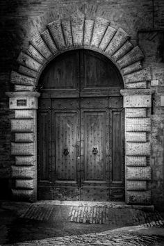 Old Door - A door that I found at my walk at the beatiful city of Rome.