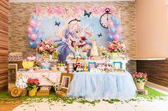 Amor a primeira vista por esta linda Festa Alice no País das Maravilhas. Decoração Invento Festa. Lindas ideias e muita inspiração. Bjs, Fabiola Teles. ...