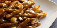 Try this poutine with guiness gravy recipe! Poutine - french fries & cheese curds, smothered in guiness gravy. If you love poutine you'll love this recipe! Poutine Gravy Recipe, Guinness Recipes, Gravy Fries, Grilling Recipes, Cooking Recipes, Cheese Curds, Canadian Food, Dumplings