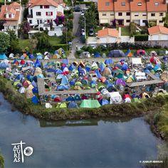Fiesta de las piraguas. El Descenso Internacional del Sella. © Foto Juanjo Arrojo