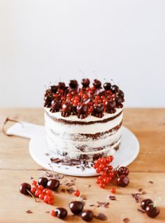 keroiam:  Recipe:  Black Forest Chocolate Cake