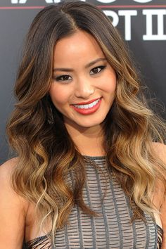 Find trending Ombre Hair Ideas for summer! Get Ombre hair how-tos and secret ombre hair colors for all blonde, brown, black-haired ladies out there! Blond Ombre, Ombre Hair Color, Brown Hair Colors, Dark Ombre, Curly Balayage, Balayage Hair Blonde, Pelo Color Azul, Hair Color Asian, Asian Ombre Hair