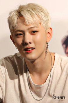 Birthday : Nationality : Korea Height : Position : Main Dancer, Vocalist Featured songs : Love Scenario,Killing Me,Dive,. Kim Jinhwan, Chanwoo Ikon, Yg Entertainment, Bobby, Ikon Kpop, Yg Ikon, Yg Artist, Ikon Member, Warner Music
