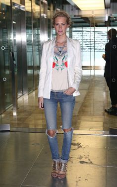 Poppy Delevingne at the Matthew Williamson Front Row #lfw
