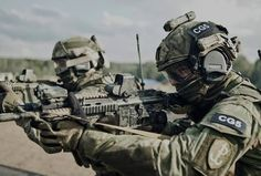 mrmooseest:  pah-pah—wiss-key:  Noble Sword-14 Polish Special Forces Unit JWK during the allied FTX ʺNoble Sword-14ʺ - a final certification for NATO Special Operations Component (SOC) before taking over combat readiness duties within the NATO Response Forces in 2015. POLSOFCOM will form the Special Operations Component Command as a framework nation. The main goal of ʺNoble Sword-14ʺ is to confirm the NATO Special Operations Component ability to planning and conducting special operations…
