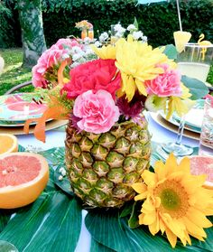 - Rock Gardening On Hill - Container Gardening Porch - Tropical Gardening Thailand - Fairy Gardening Ideas Enchanted Forest Aloha Party, Party Knaller, Luau Theme Party, Party Pops, Party Ideas, Summer Party Themes, Party Summer, Fiesta Party, Themed Parties
