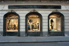 The Iris von Arnim Pop-Up Store in Vienna ─ outside view.