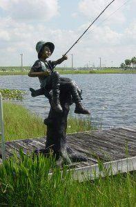 Outdoor Statues, Garden Statues, Bronze Sculpture, Sculpture Art, Boy Fishing, Family Garden, Happy Art, Land Art, Public Art