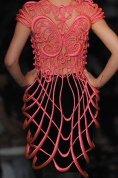 Jean Paul Gaultier Herbst 2008 Couture  rot